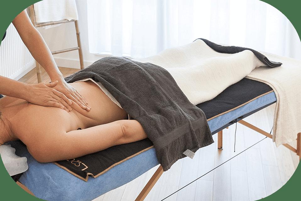 nabijgelegen massage onbeschermd